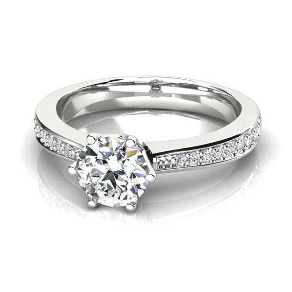 18ct Diamond Tapered-Shoulder Solitaire