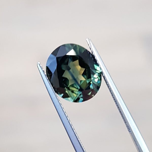 4.42ct Oval-Cut Parti-Coloured Australian Sapphire