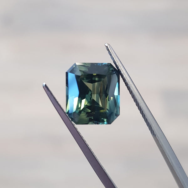 5.90ct Emerald-Cut Parti-Coloured Australian Sapphire