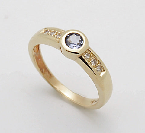 18k Gold Tanzanite and Diamond Ring