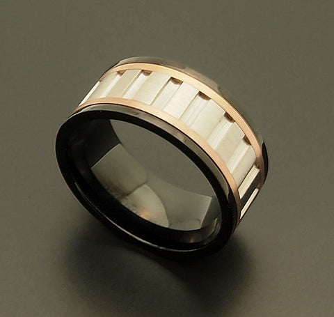 Stainless Steel IP Black Vertical Steel Groove Spinner Ring