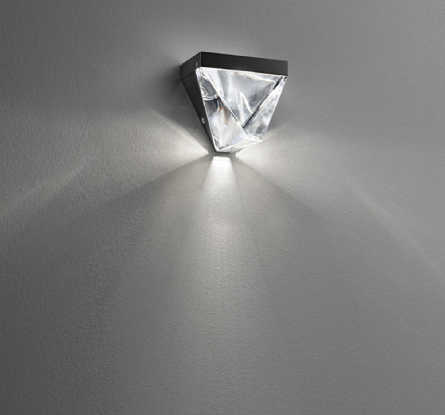 Deluxe Lighting & Crystal LED Lamp‎
