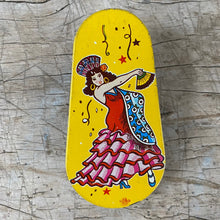 Load image into Gallery viewer, Vintage Tin Litho Noisemaker c1940-1950