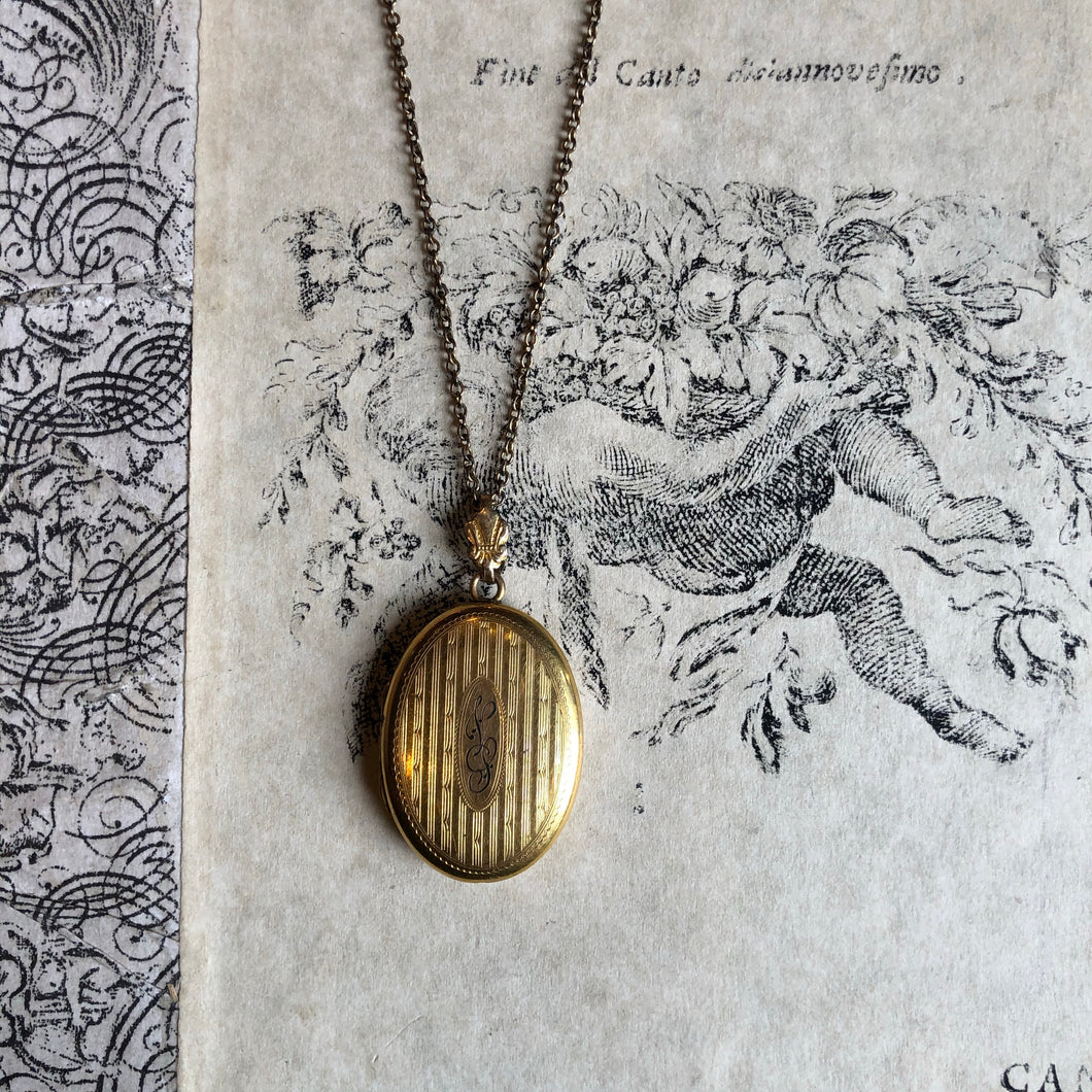 Antique Gold Plated Oval Locket Necklace