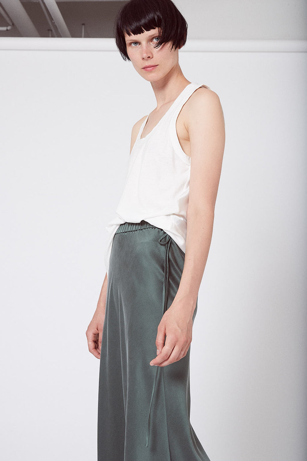 KES Elongated Scalloped Skirt