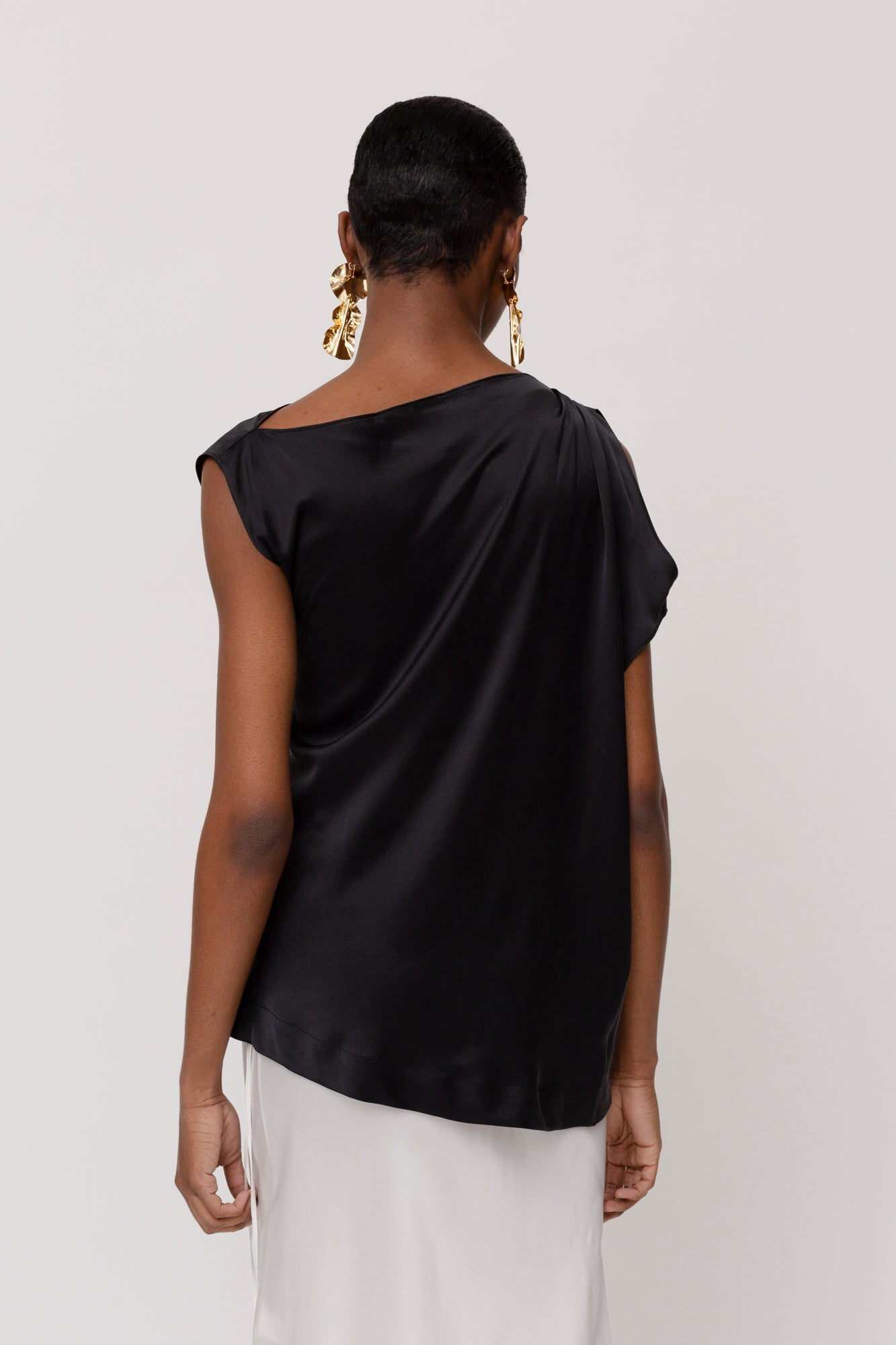 KES Sleeveless Zora Asymmetric Top- Black
