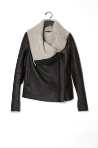 Anne Vest Half  Cropped Matte Curly Shearling