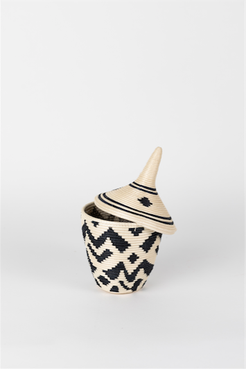 Azizi Sisal Peace Basket- Clover- White and Black
