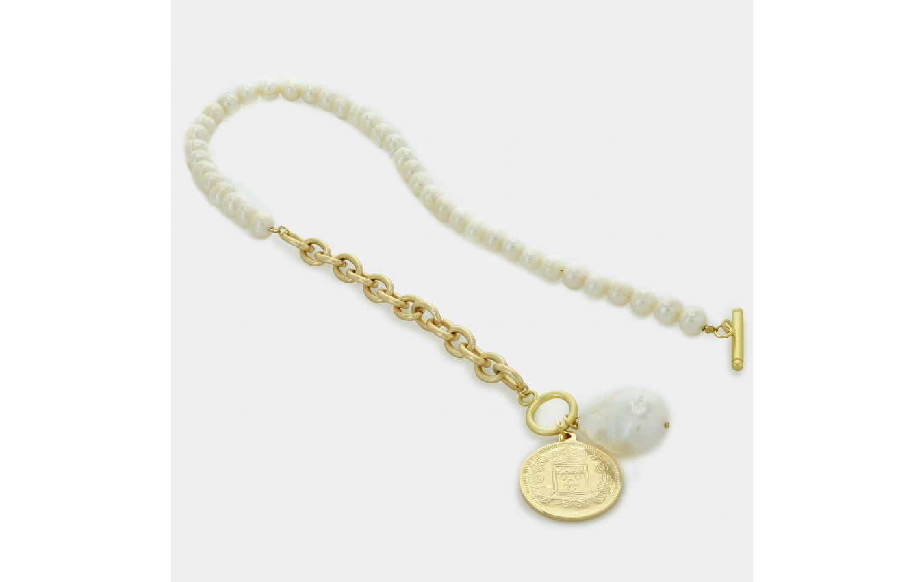 Freshwater Pearl Necklace with Baroque Pearl and Gold Medallion