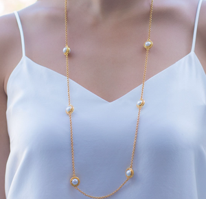 Loire Pearl Station Necklace