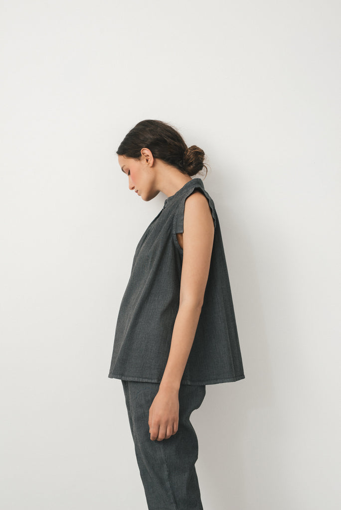 Hanoi grey top