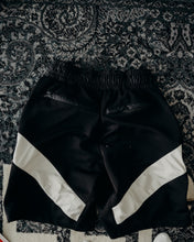 Load image into Gallery viewer, Daniel Patrick x Starger Shorts Sz XS (Fits 30)