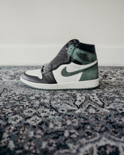 Load image into Gallery viewer, Jordan 1 Retro High Clay Green Sz 9