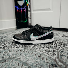 Load image into Gallery viewer, Nike SB Dunk Low Diamond Black Sz 7.5