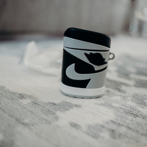 AirPods Classic Case (Jordan 1 Shadow