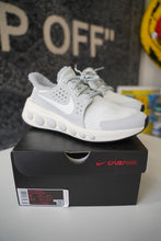 Load image into Gallery viewer, Nike CruzrOne Gray Sz 8