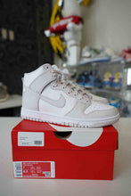Load image into Gallery viewer, Nike Dunk Hi Retro Vast Grey Sz 7