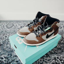 Load image into Gallery viewer, Nike SB Dunk High Baroque Brown (Size 11)