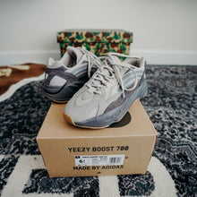 "Load image into Gallery viewer, Yeezy 700 ""Tephra"" Sz 6.5"