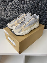 Load image into Gallery viewer, adidas Yeezy Boost 700 V2 Cream Sz 11