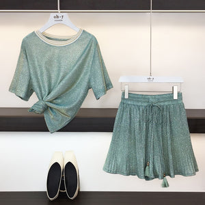 "Two-Piece Set Bling Short-Sleeve Loose Top with Pleated Wide-Leg Shorts (aka ""Skirt Shorts"") - FREE SHIPPING -"