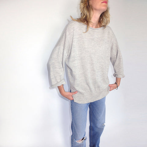 LOUNGE SWEATER warm light grey / black