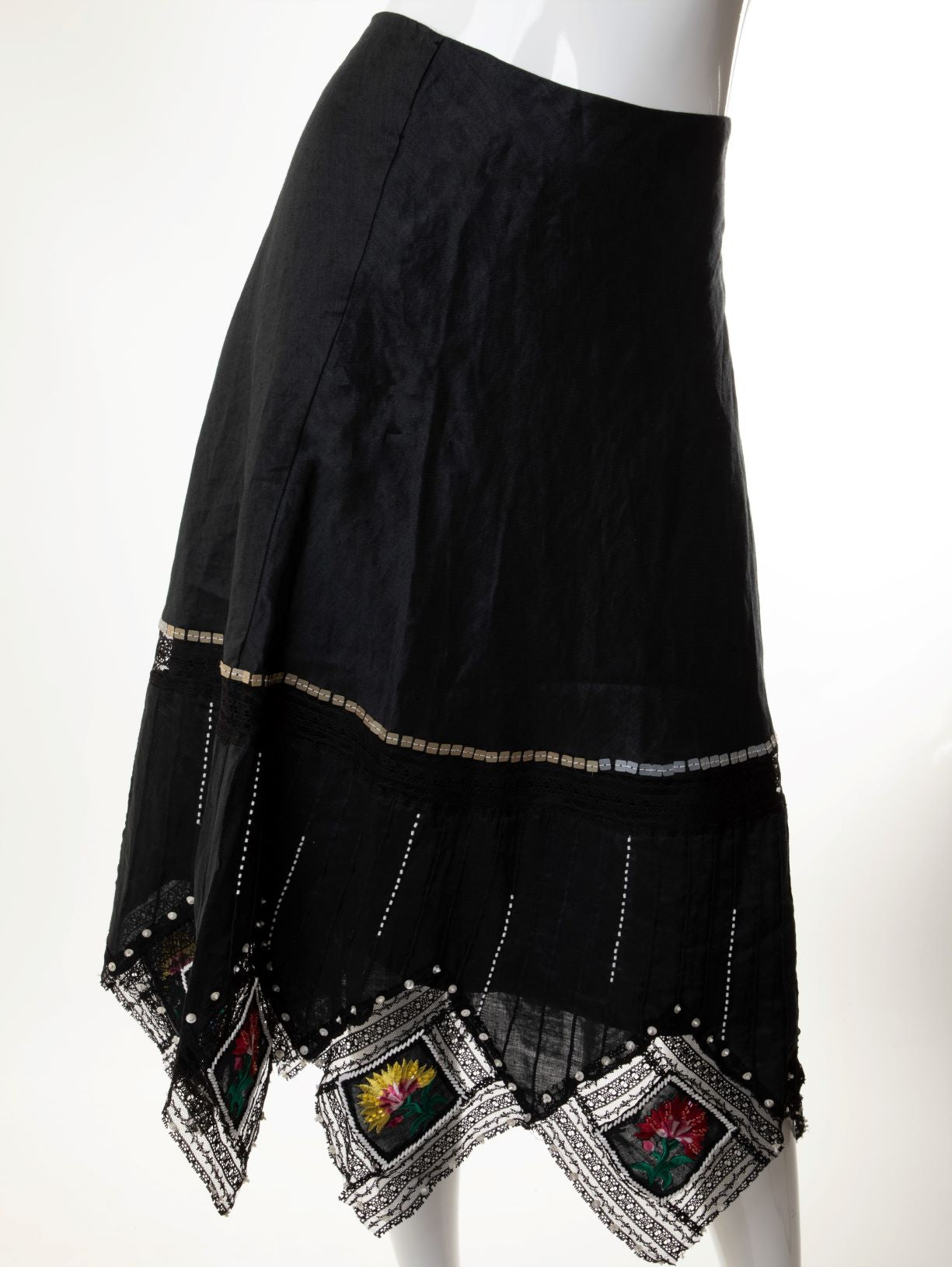 Vintage - Linen Skirt with Beaded and Embroidered Diamond Hemline