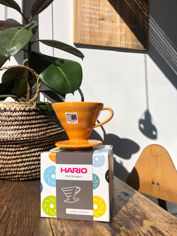 Hario V60 Handfilter 02 Porzellan Orange (Colour Edition inkl. 40 Papierfiltern)