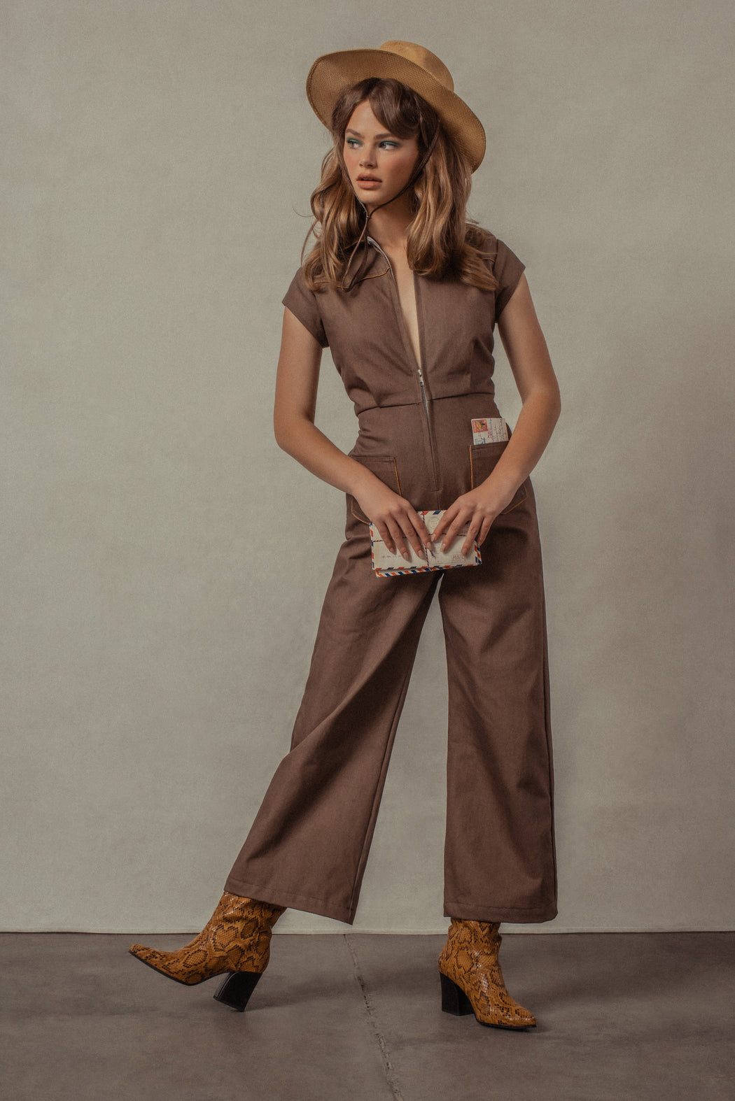 LUCKY STARS JUMPSUIT IN DUST