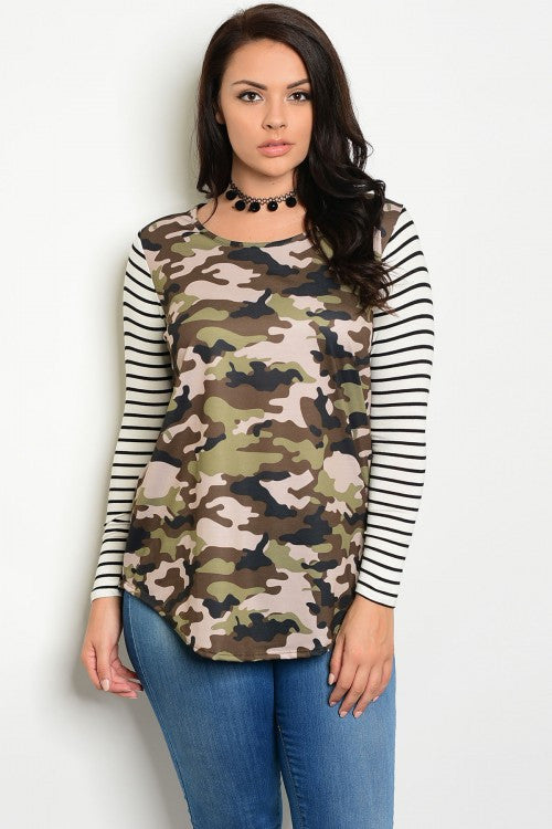 Women's Plus Size Cammo Print Jersey Knit Top