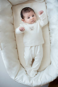 Completino nascita NaturaPura/Two piece Round collar shirt and  Footsie pants with crochet teddy - HOPLA' PARMA Baby Collections