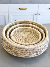 Load image into Gallery viewer, Round Woven Kansgrass Baskets