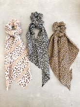 Load image into Gallery viewer, Leopard Print Hair Scarf