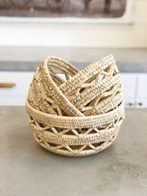Load image into Gallery viewer, Round Hand Woven Baskets