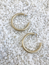 Load image into Gallery viewer, Isla Gold Hoops