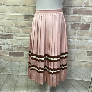 Endless Rose Pleated Skirt