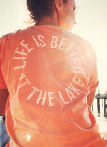 "T-Shirt ""Life is better at the lake"" - orange - unisex"