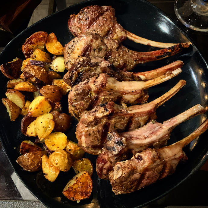 Agnello alla Scottadito con Patate Arrosto