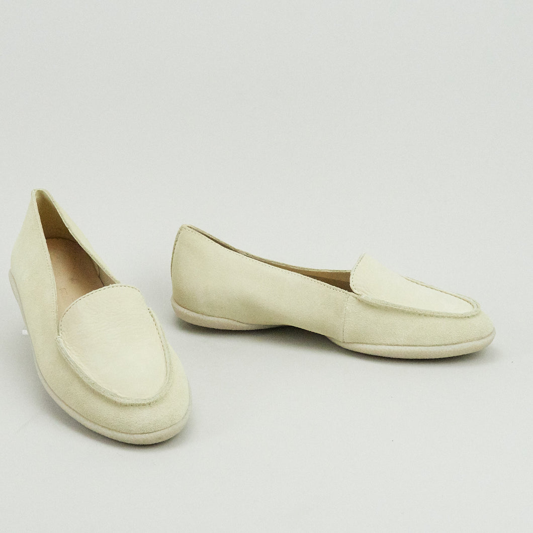 Clarks Dana rose Cream Suede