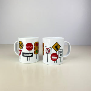 On the Go Street Signs 11 oz. Plastic Mug