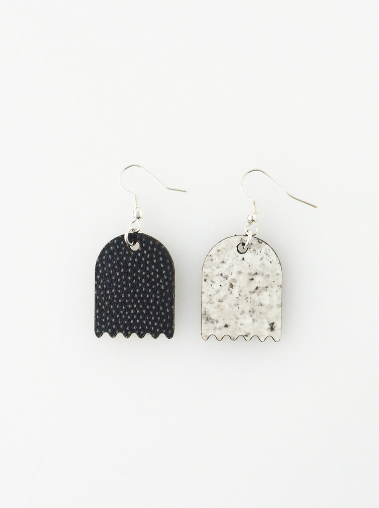 Pacman Earrings - black and stone