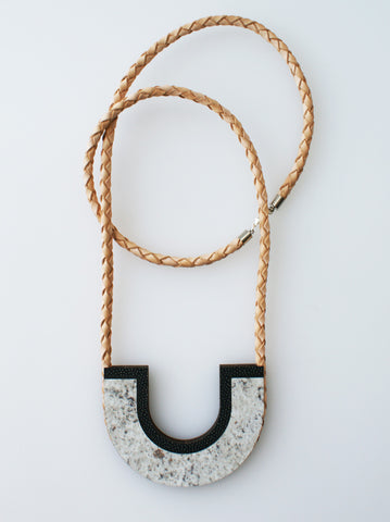 Uturn Necklace : various colours