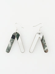 V-turn Earrings - green and white