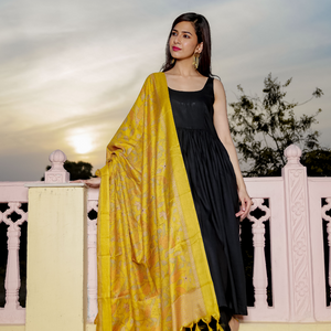 Black Strap In Love  With Dupatta - Ambraee