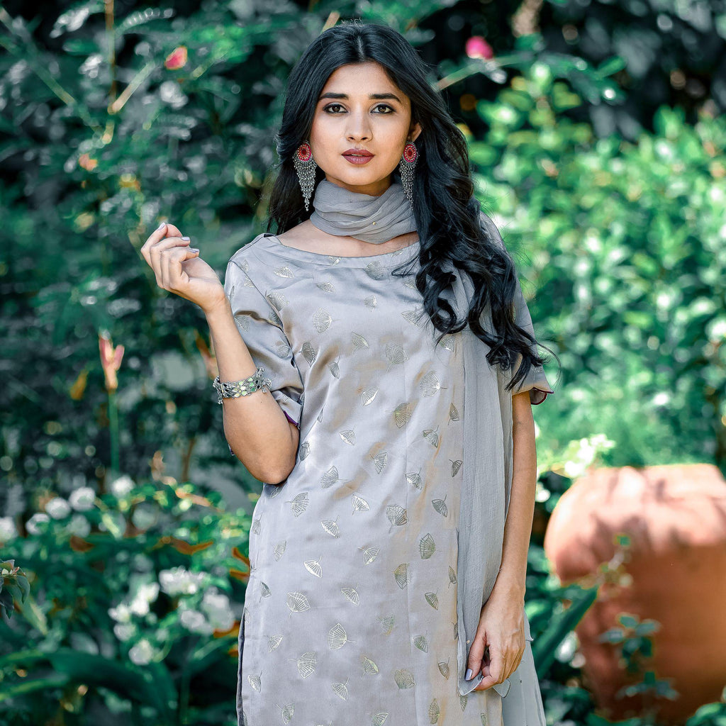 Grey Scallop Kurta Set