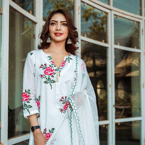 Red Rose Block Print Suit With 3/4 Length Sleeves - Ambraee