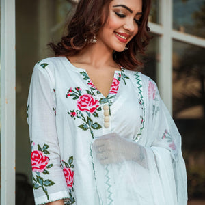 Red Rose Block Print Suit With V-Neckline - Ambraee