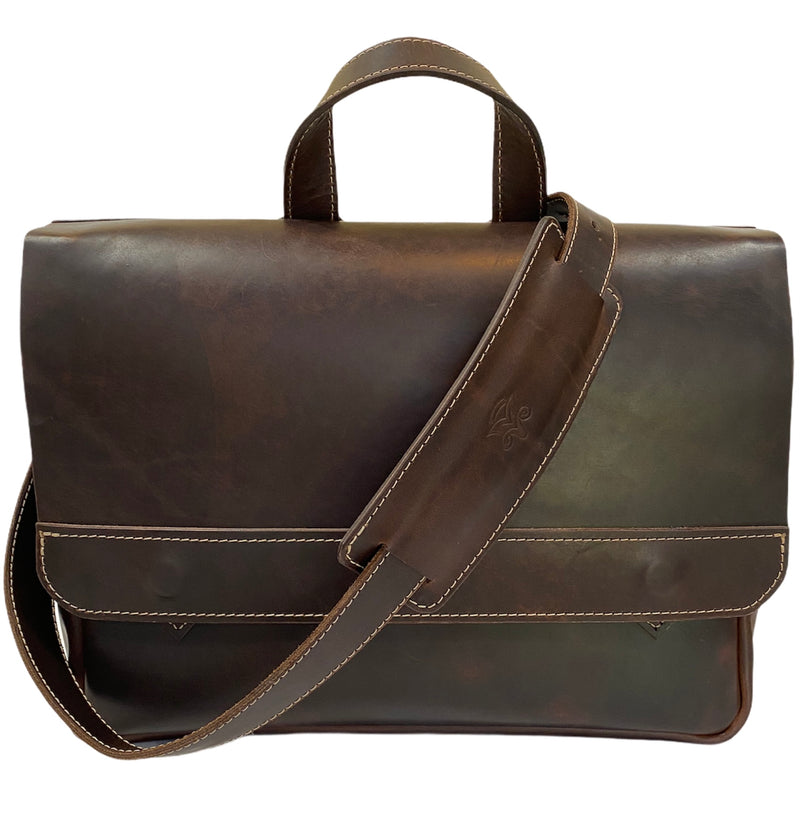 Essential Messenger Bag in Caffe Americano