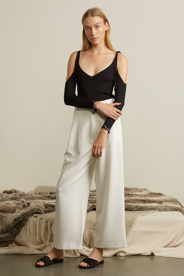 Shoulder Tie Knit Top
