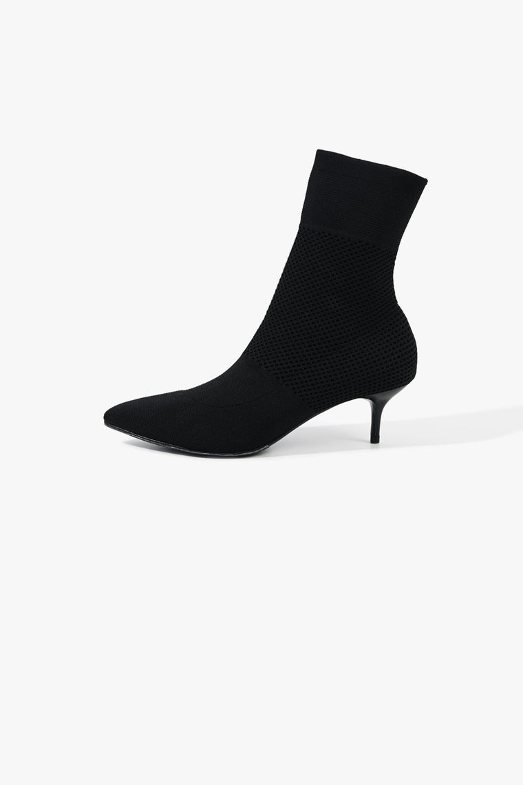 Knit Stretch Pointed Boot